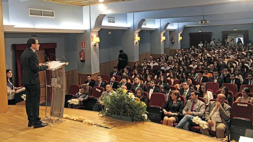 Gallardo destaca el factor social de la diputaci n de badajoz for Residencia universitaria hernan cortes