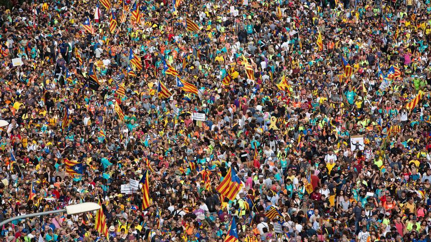 Más de medio millón de personas claman por la independencia en Barcelona como respuesta a las condenas
