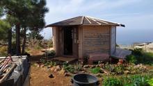 Casa de madera denunciada por la Guardia Civil.