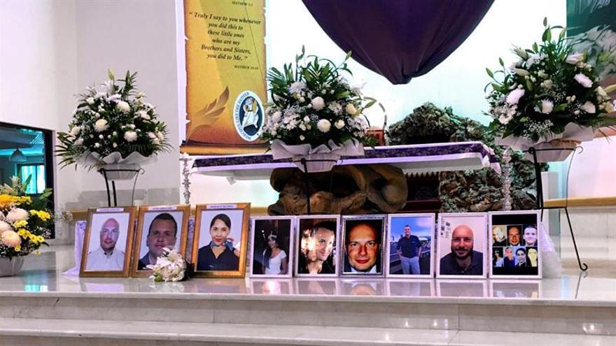 Una misa en Dubai recuerda a los canarios fallecidos en el accidente aéreo en Rusia. Fotografía facilitada por Noelia Curbelo,
