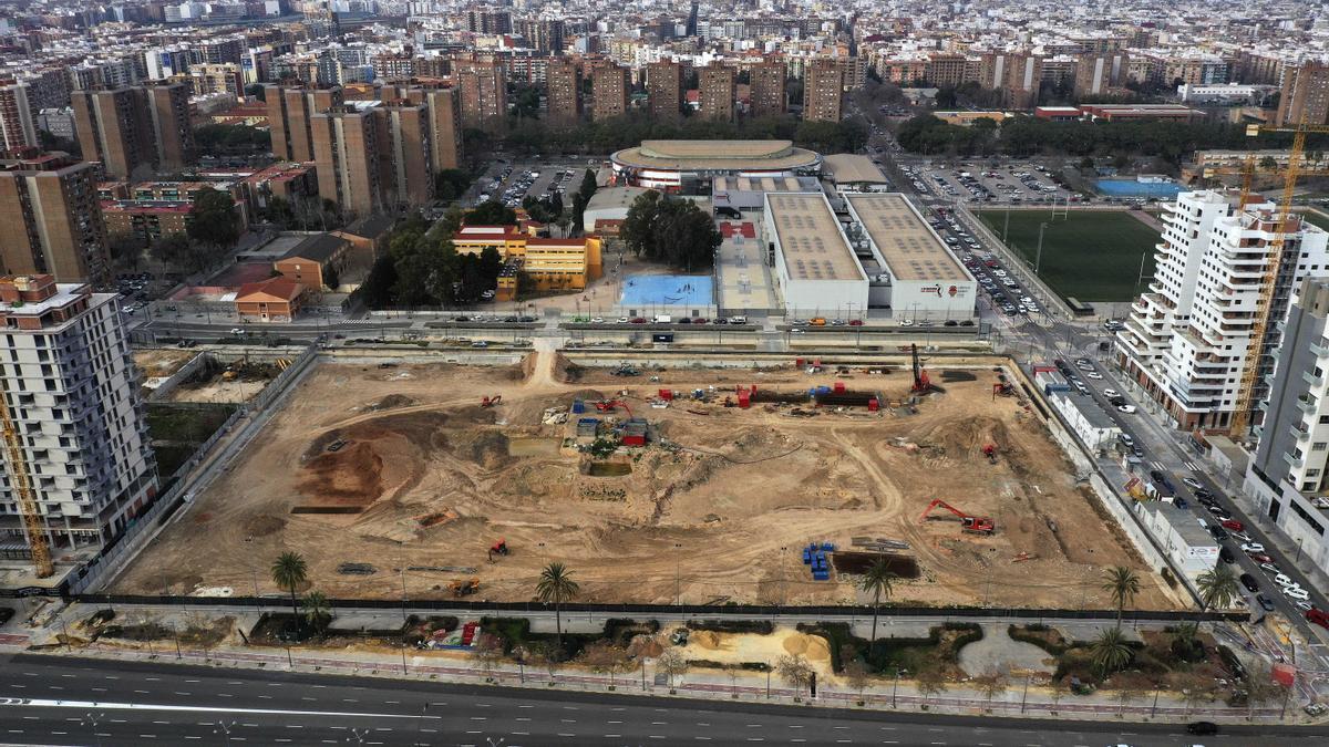 Vista aèria de la parcel·la en obres en la qual se situa l'Arena.