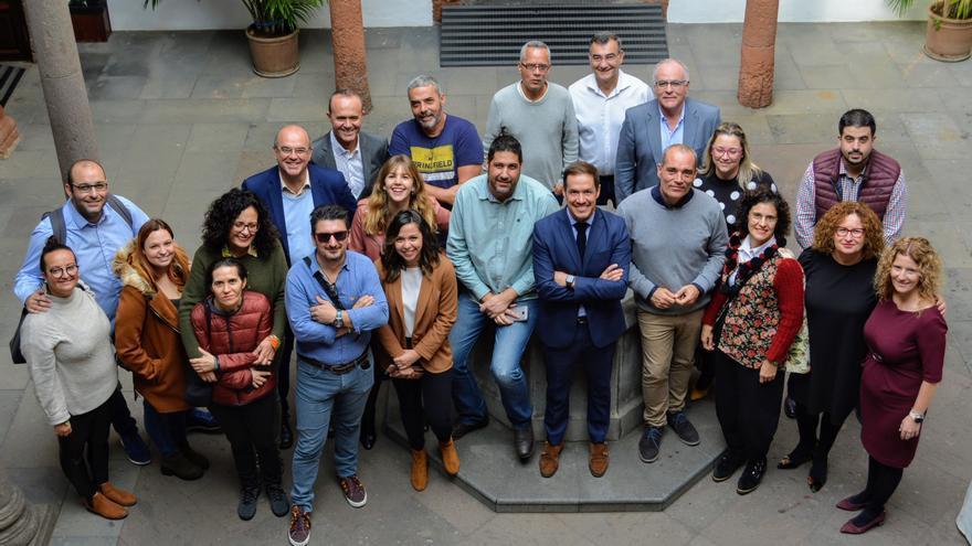 Encuentro del grupo de Gobierno del Cabildo con los medios.