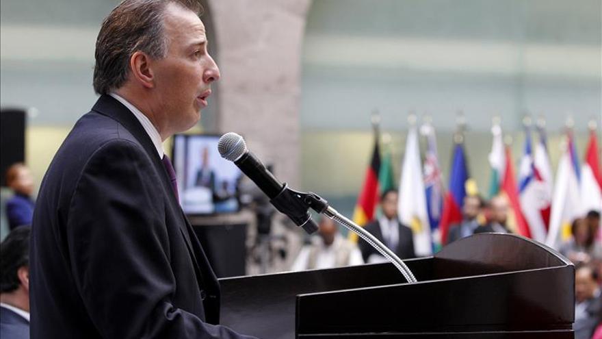 """México considera """"absolutamente zanjada"""" cualquier diferencia con el papa"""