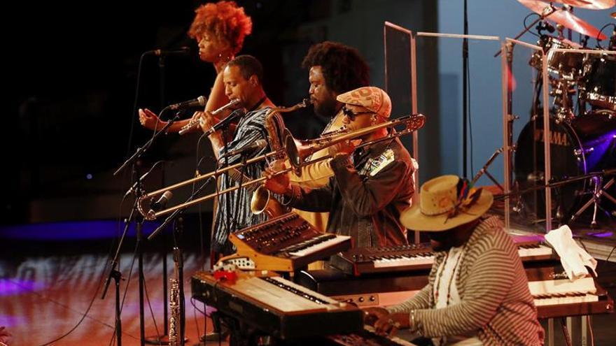 Un cautivador Kamasi Washington pone el broche de oro al jazz de Vitoria