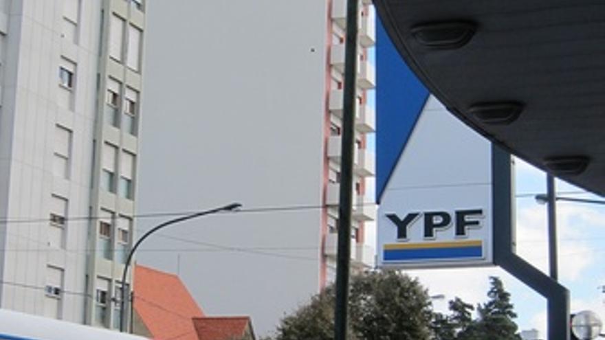 Gasolinera YPF Calle De Buenos Aires