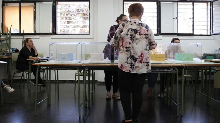 Jornada electoral en el IES Arguineguín.