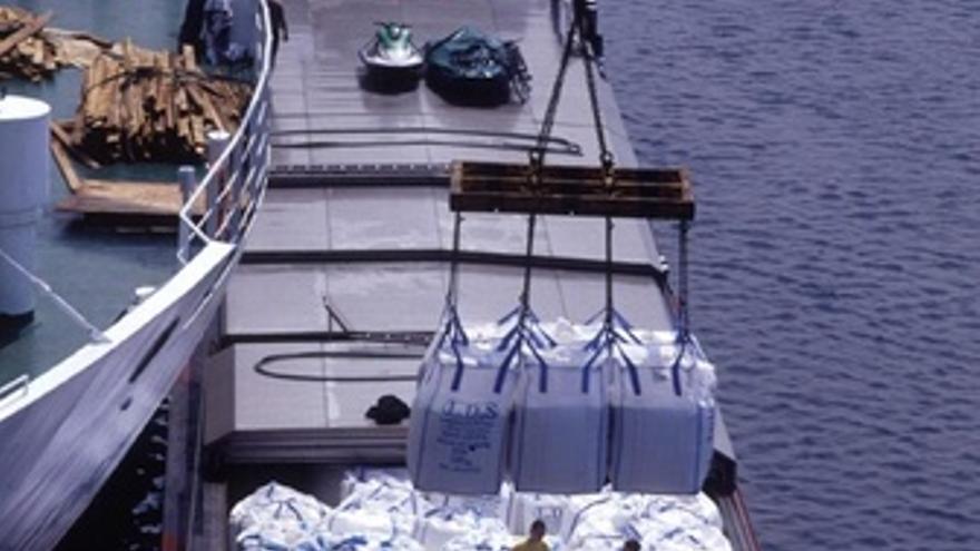 Barco carguero transporte maritimo exportacion