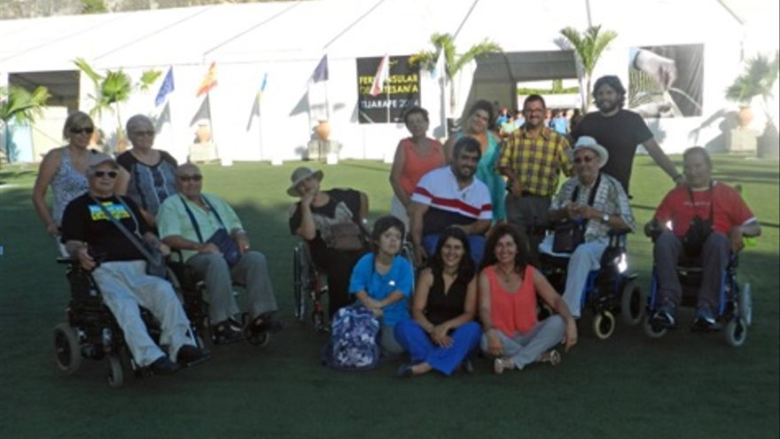 En la imagen, un grupo de Adfilpa en la Feria Insular de Artesanía celebrada en Tijarafe.