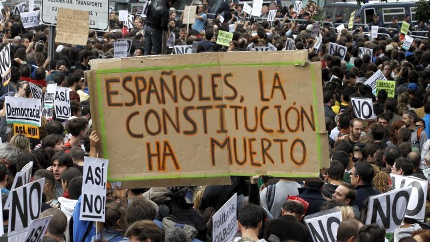 Pancarta durante el Rodea el Congreso de septiembre de 2012.
