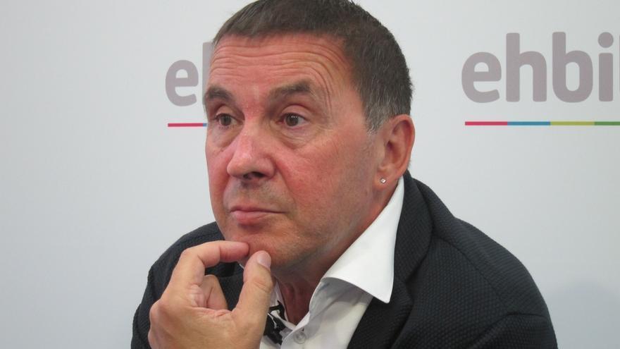 """Otegi cree que Podemos tiene """"realmente difícil"""" no sumarse al pacto alcanzado por PNV y EH Bildu sobre nuevo estatus"""