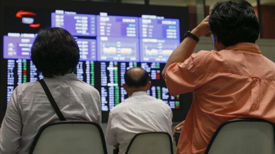El Nikkei cae 199,03 puntos, el 1,41 por ciento, hasta 13.943,62 unidades
