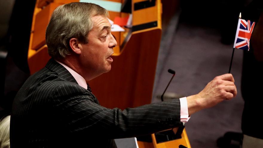 Nigel Farage, líder anti-Brexit, en la Eurocámara