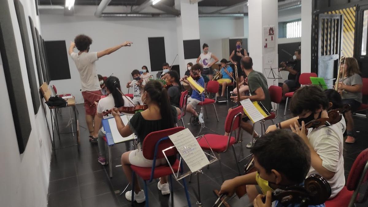 Ensayo de parte de la orquesta del programa DaLaNota de cara al concierto del día 17 en el Circo Price
