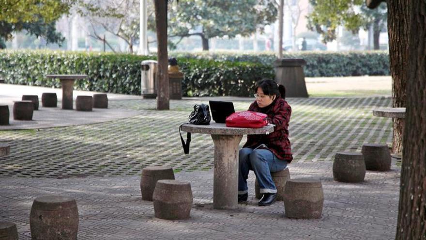 """China prohibirá por ley electrochoques para curar la """"adicción"""" a internet"""