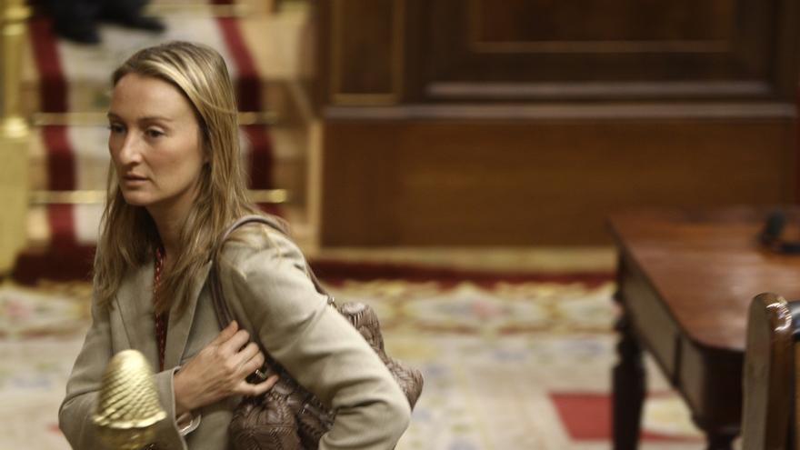 """La diputada del PP Andrea Fabra dice que con la dimisión de Mato """"se ha puesto el listón muy alto"""""""