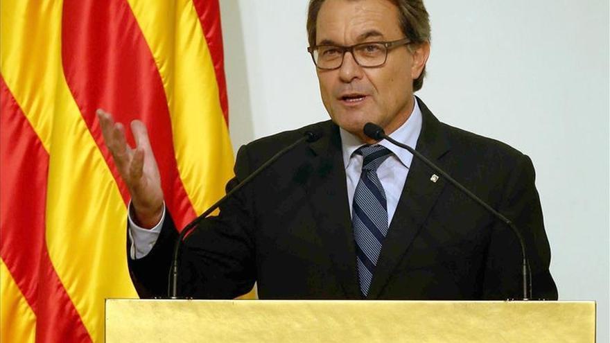 """Mas pide a los alcaldes que fomenten la participación en un 27S """"definitorio"""""""