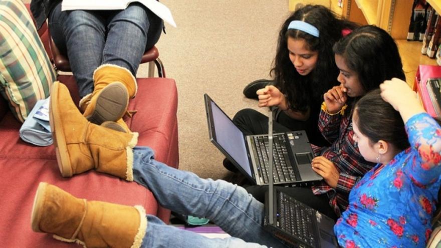 Cyberbullying, en Internet y los móviles