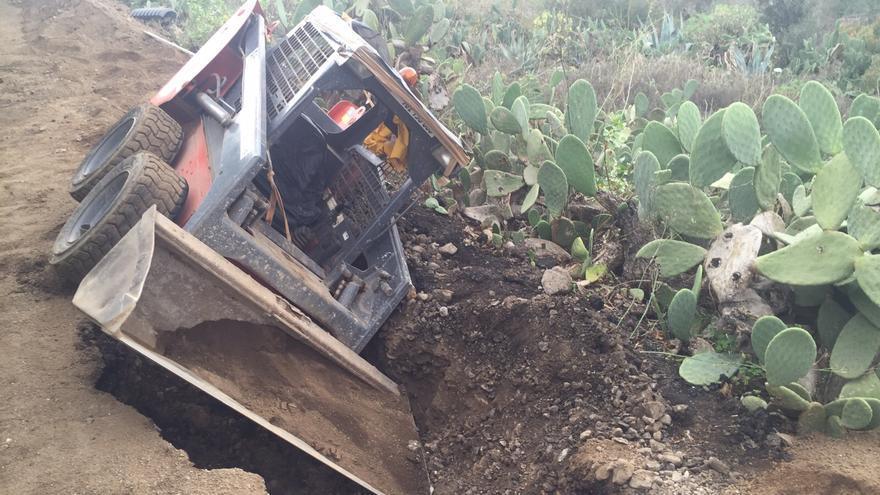 Accidente en el Camino de Los Pérez, en Las Palmas de Gran Canaria. (Canarias Ahora).