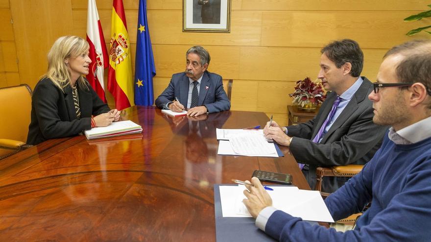 Revilla garantiza a la alcaldesa de Castro el apoyo del Gobierno a los principales proyectos del municipio
