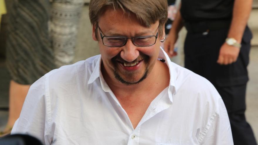 Domènech (ECP) dice que no apoyarán el referéndum en Cataluña hasta que no se concrete como será