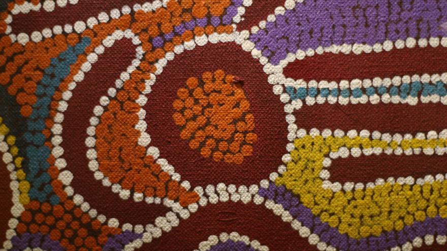 Arte aborigen australiano en uno de los museos de Alice Springs. Jun