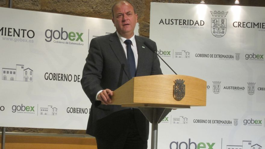 Unos 48.000 funcionarios extremeños recibirán en 2014 los 44 días de paga extra devengados por el Gobierno de Rajoy