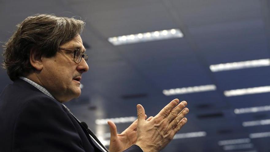 Zoido pedirá un informe sobre distinción a Marhuenda, que el PSOE exige retirar