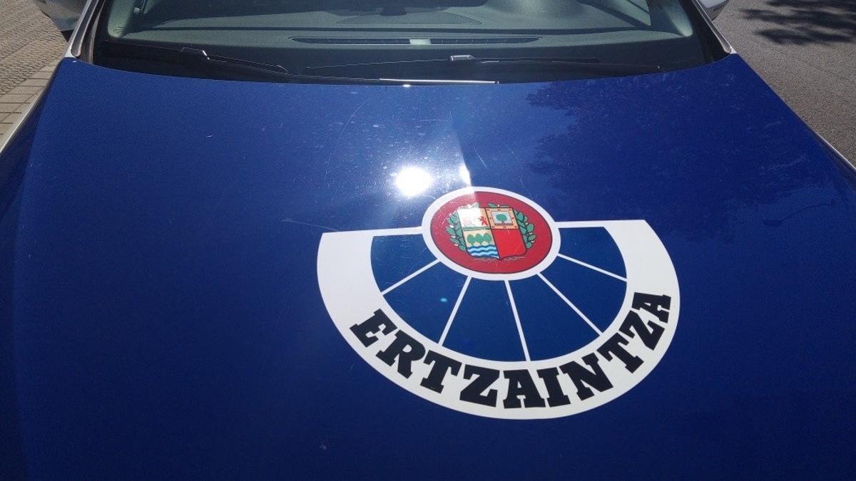Vehículo policial de la Ertzaintza