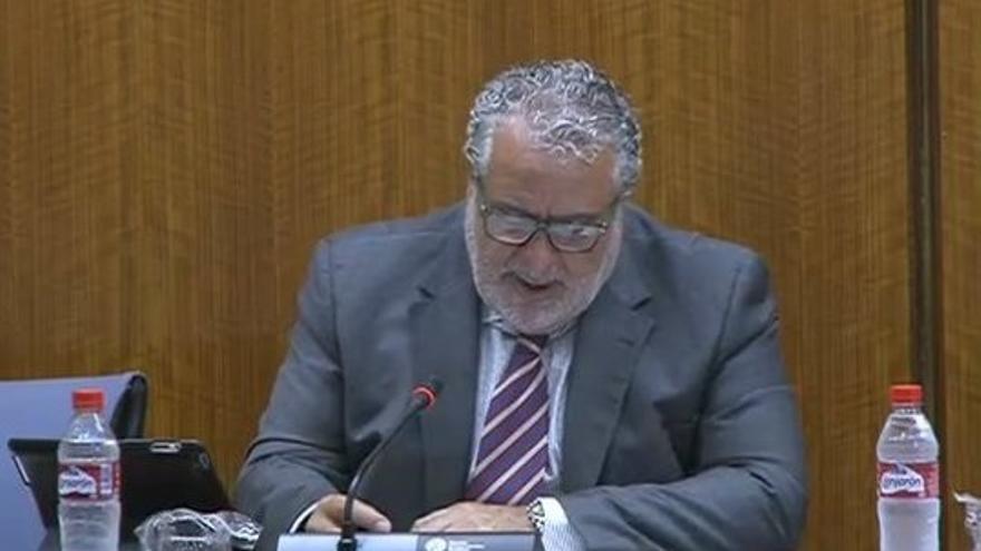 Durán dice que la retribución de los directivos de RTVA supone un 1,19% de su presupuesto y de los consejeros, un 0,56%