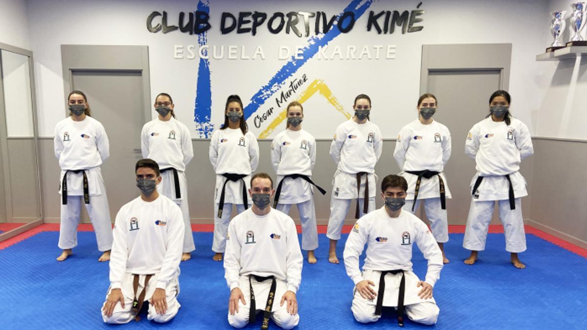 Miembros de la Escuela de Kárate Kimé