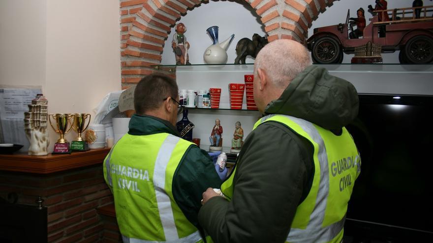 La Guardia Civil detiene a 10 personas e investiga a 41 por obtención fraudulenta de medicamentos para uso deportivo