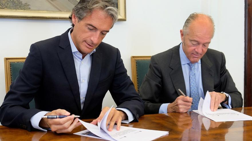El Ayuntamiento y Adif firman un convenio para la remodelación integral de la Plaza de las Estaciones