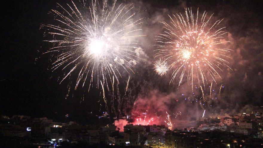 Imagen de archivo de unos fuegos anteriores, en Alcalá, sur de Tenerife