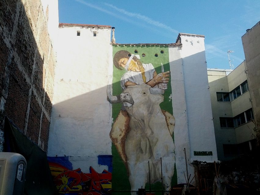 Mural de Casassola en una medianera del Solar de Grilo | Foto: Somos Malasaña