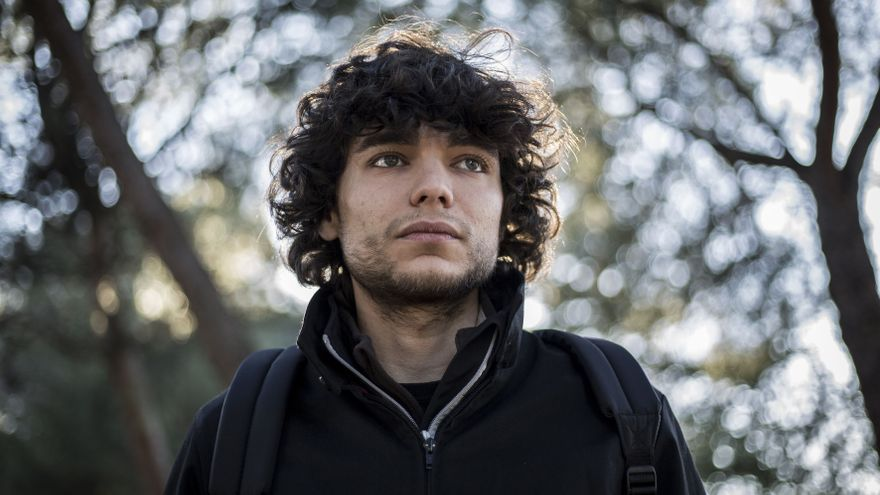 Yasin Chaoui acabó sus estudios de Ciencias Políticas pero no ha conseguido un trabajo cualificado / OLMO CALVO