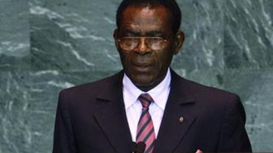 """Obiang aspira a arrasar en las elecciones de hoy para seguir """"dictando las normas"""""""