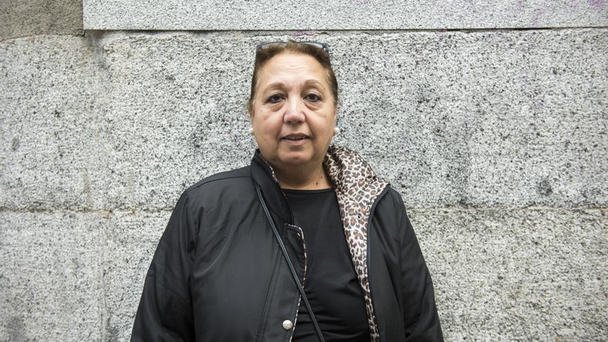 Juana Muñoz es una de las denunciantes del Sindicato de Inquilinas que ha denunciado que la Comunidad cuenta con más de 500 viviendas vacías para hinchar la burbuja del alquiler | Foto: FERNANDO SÁNCHEZ