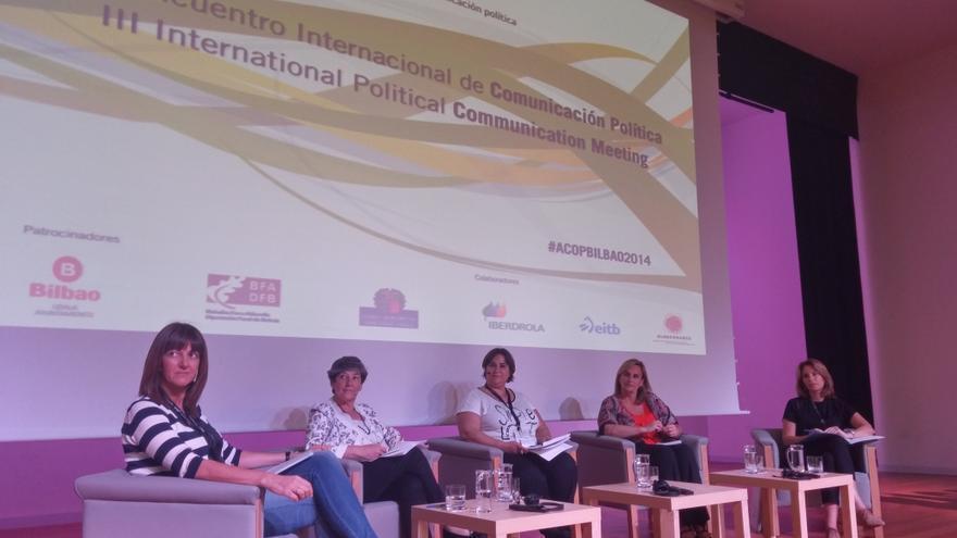 Las líderes políticas vascas de los principales partidos hablan de 'Mujeres y Comunicación Política' en el congreso ACOP Bilbao 2014.