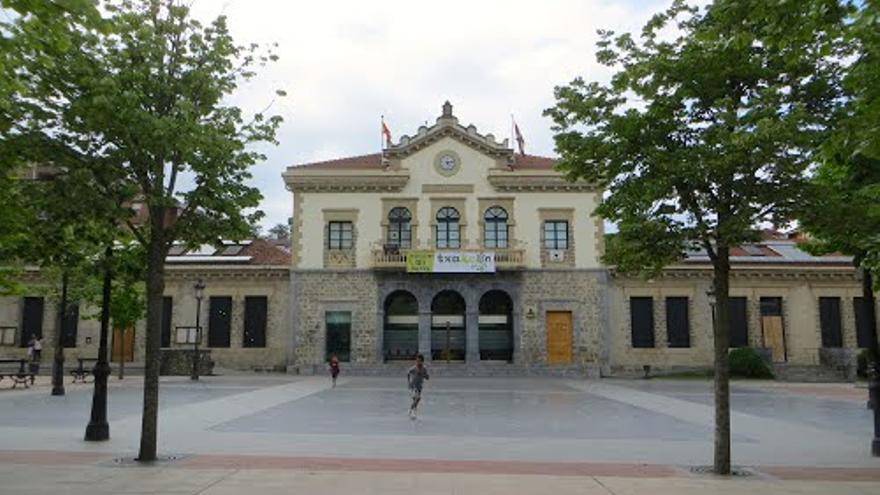 Fachada del Ayuntamiento de Amurrio (Álava).