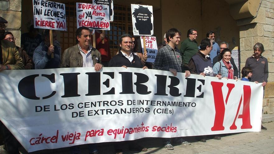 Imagen de una protesta en favor del cierre del CIE de Algeciras