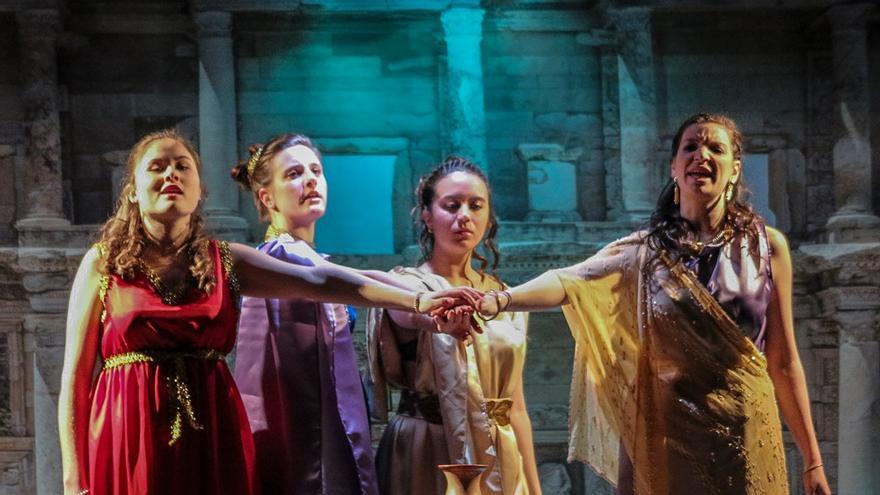 'Lisistrata', la huelga de mujeres más famosa de las artes escénicas