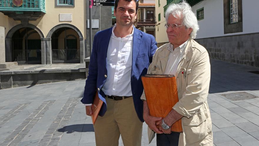El candidato al Congreso de Ciudadanos por Las Palmas, Saúl Ramírez, junto al eurodiputado Javier Nart.