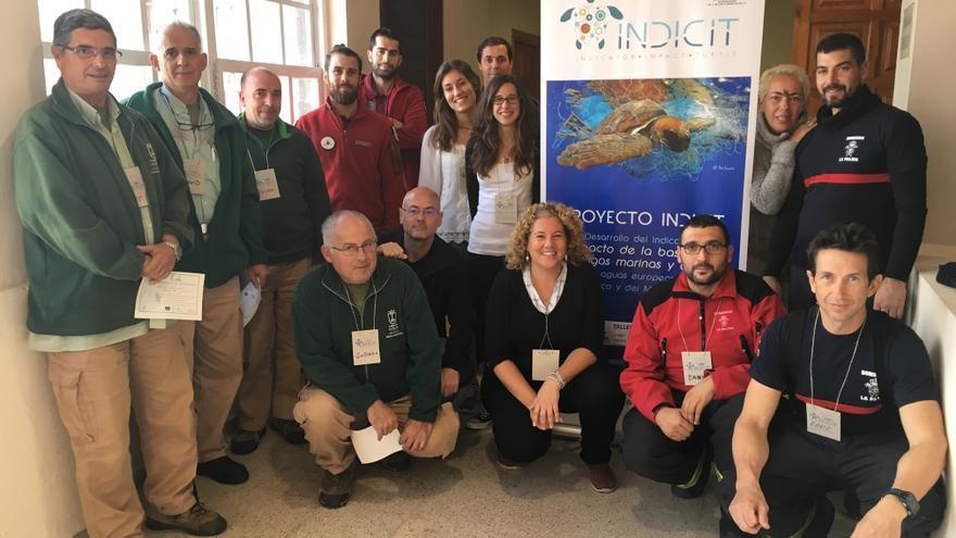 Participantes en el taller de formación 'Protocolos de actuación con tortugas marinas varadas en Canarias'  del proyecto europeo Indicit celebrado en La Palma.