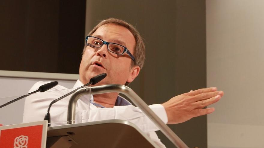 Carmona (PSOE) pretende abrir la puerta del Ayuntamiento de Madrid a la participación ciudadana