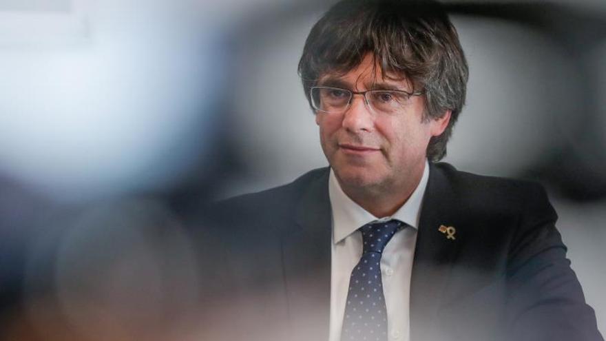 El juez estudia si puede juzgar por encubrimiento a acompañantes de Puigdemont