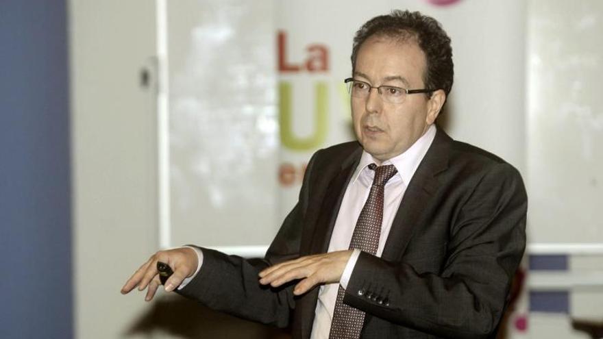 El director de AEPD advierte de la concentración de datos en manos de muy pocos
