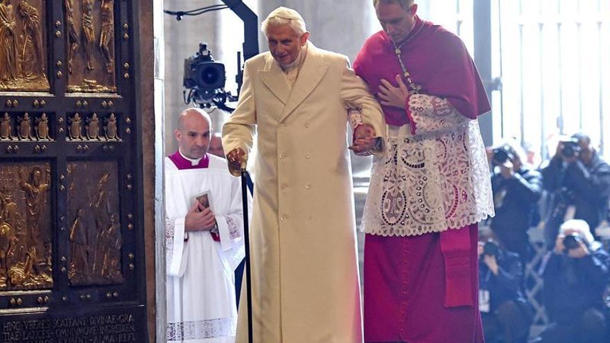 Ratzinger desmiente los rumores y dice que el tercer Secreto de Fátima es completo