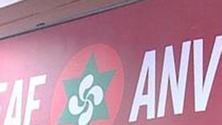 La Fiscalía se querella contra tres ediles de ANV por homenajear a presos de ETA