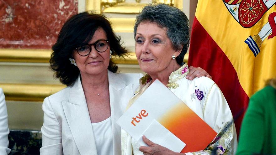 Carmen Calvo y Rosa María Mateo