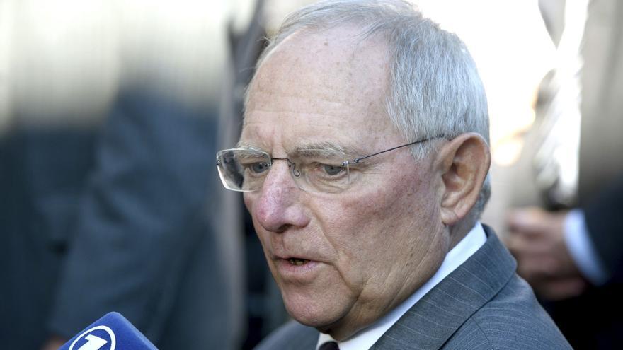 Schäuble pide que el supervisor bancario se centre en entidades con riesgo